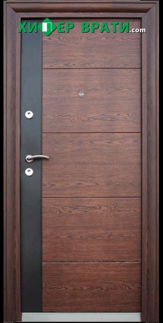 Блиндирана входна врата модел 616 C