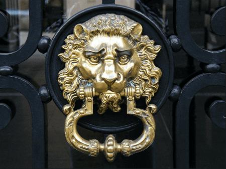 Чукчето за блиндирани входни врати от миналото до сега