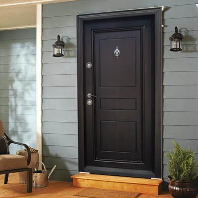 Как да поддържаме блиндирана входна врата у дома?